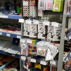 Stoveliai mažo formato parduotuvėms